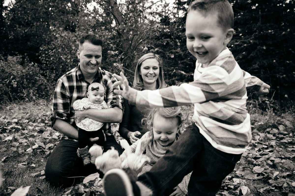 Fall, Family & Their Pup