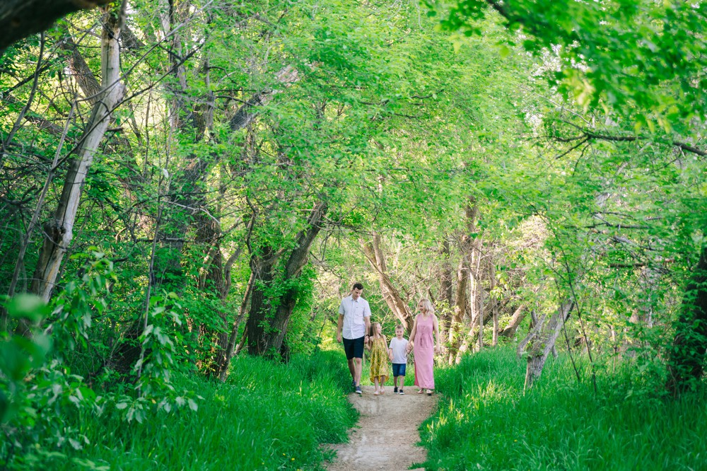 The Leachmans | Spring Photos in Edmonton