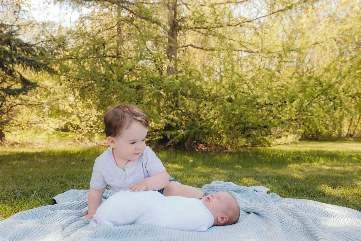 Edmonton Outdoor Newborn Photos